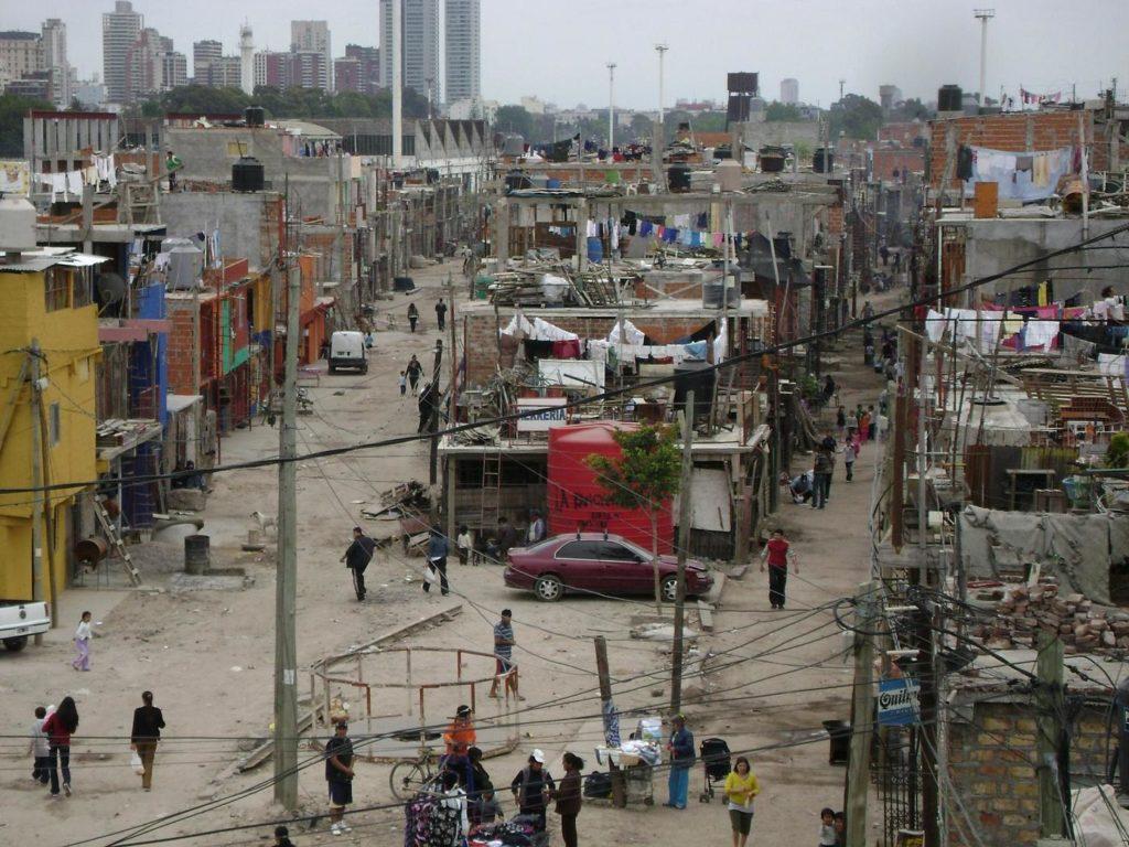 Familias del Conurbano viven en villas miseria