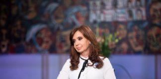 Cristina Kirchner define con intendentes un nuevo frente electoral