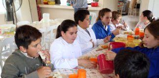 Vidal dejaría sin comida a los comedores escolares los paros