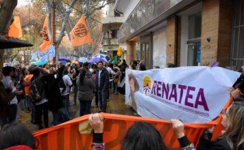 Macri deberá reincorporar a los primeros estatales despedidos de 2016