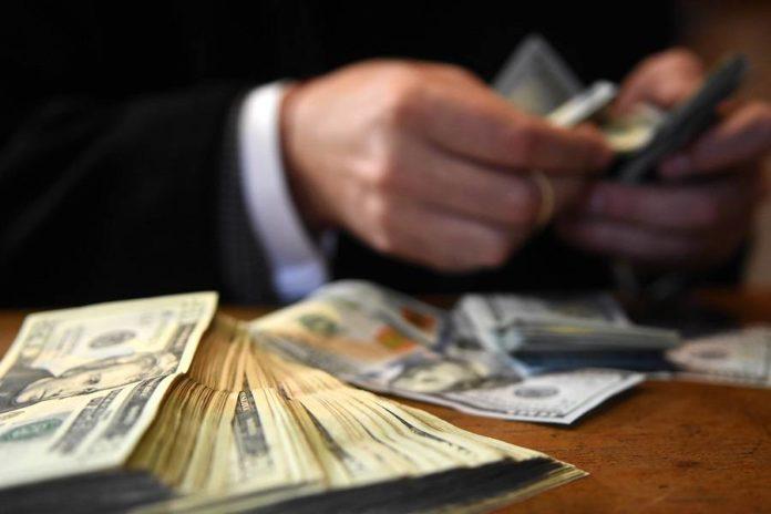 Banda robó 300 millones de dólares al Estado