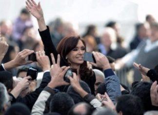 Cristina Krichner cambia el díadel acto de campaña