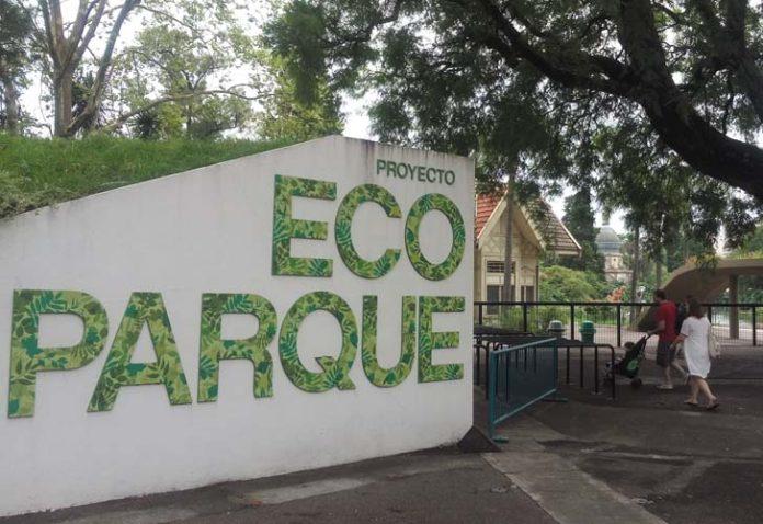 En una situación de abandono cierra el Zoo por obras