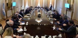 Gobernadores definen su postura antes de reunirse con Macri