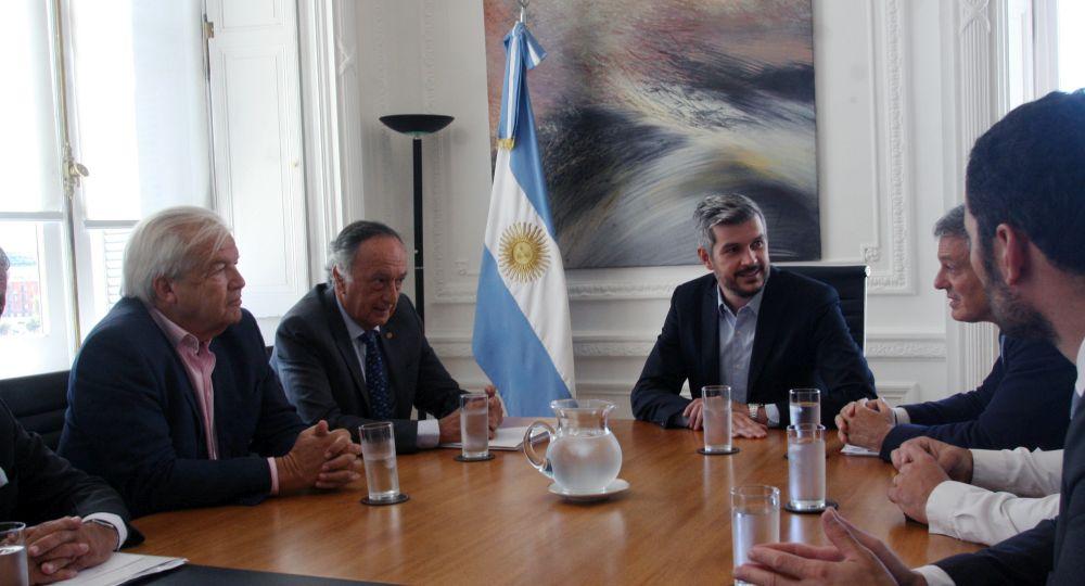 Marcos Peña y Francisco Cabrera recibieron a la UIA en Casa Rosada