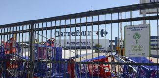 Carrefour acordó con Triaca un plan para evitar despidos