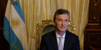 Macri se reúne con Triaca y con Aguad