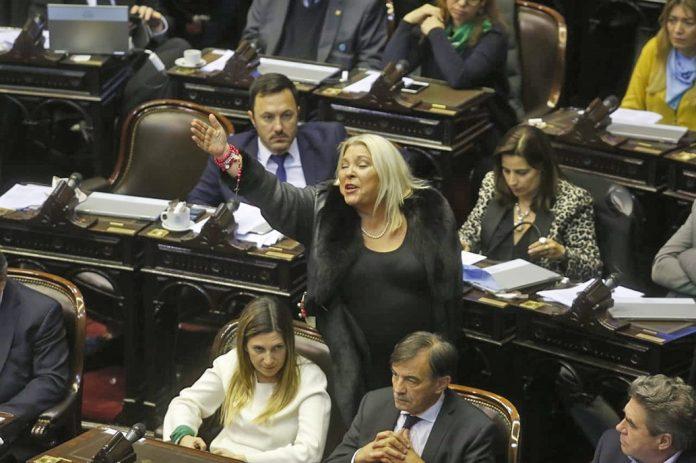 Elisa Carrió, furiosa tras la media sanción de la despenalización del aborto
