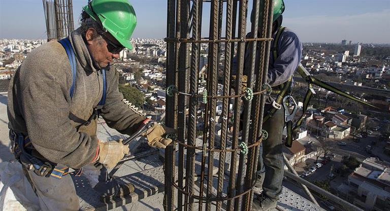 Ajuste en la obra pública: habrá 430 mil puestos de trabajo en riesgo