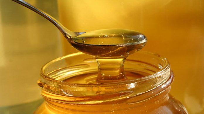La ANMAT prohibió el uso y venta de una miel y una sustancia para broncearse