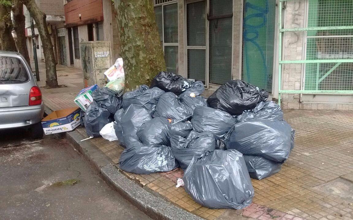 89004ebb0643 Mar del Plata  La ciudad está llena de basura por falta de pago de ...
