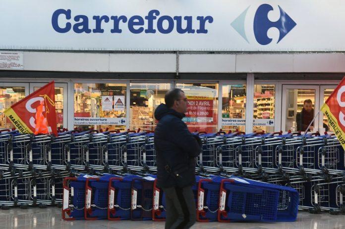 Carrefour cerró ocho sucursales en 20 días