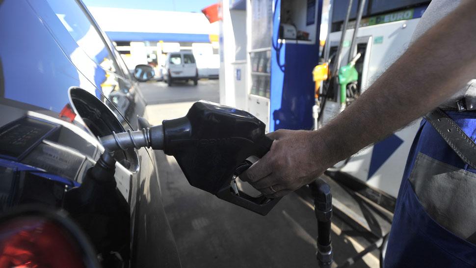 El litro de nafta Premium ya se paga $ 45 en el Interior del país