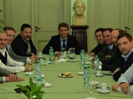 Uñac se reunió con intendentes del Conurbano y planea su candidatura presidencial