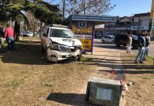 Burzaco: un patrullero perdió el control y atropelló a una mujer en la vereda