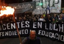 marcha de las antorchas, plaza italia, docentes universitarios, paro docente