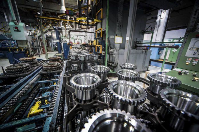 Actividad económica: la industria se cayó un 8,1% en junio