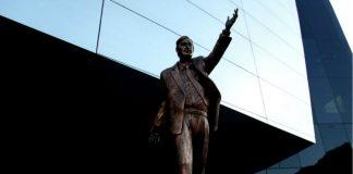 Retirarán la estatua de Néstor Kirchner de la Unasur