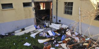 """Escuela de Moreno: denuncian que se robaron """"cajas con documentos"""""""