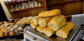 Lomas y Brown van a empezar a vender el pan a mitad de precio